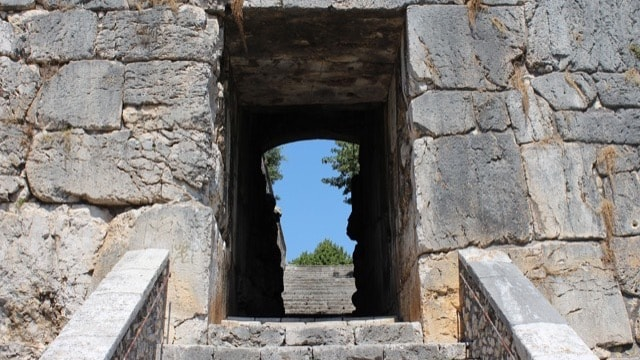 /img/tours-full-day-excursions/Alatri, Acropolis.jpg